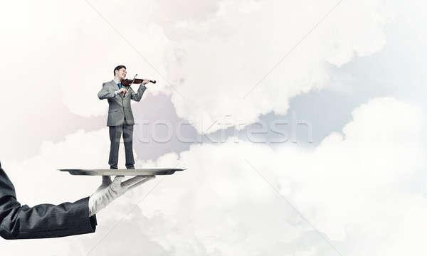 Biznesmen metal taca gry skrzypce Błękitne niebo Zdjęcia stock © adam121