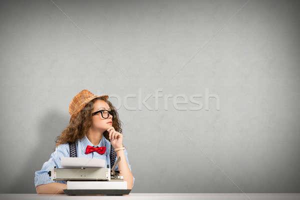 Kadın yazar görüntü genç kadın tablo daktilo Stok fotoğraf © adam121