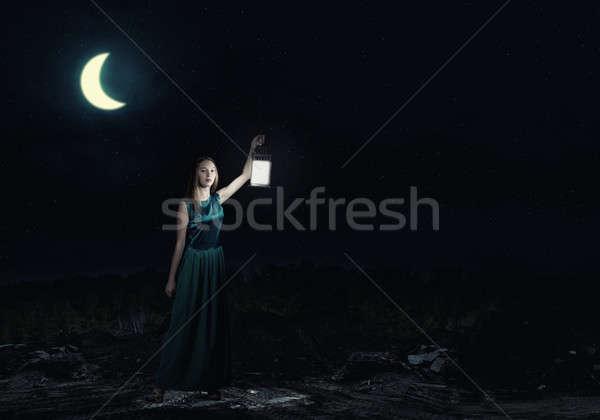 Lány elveszett éjszaka fiatal vonzó nő zöld Stock fotó © adam121