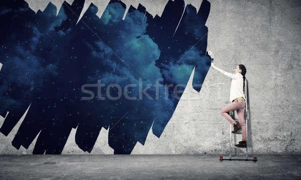 Stockfoto: Meisje · verf · muur · kleuren · jonge · vrouw · permanente