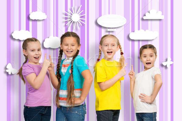 Stockfoto: Kleine · groep · meisjes · stand · rij · handen · glimlach