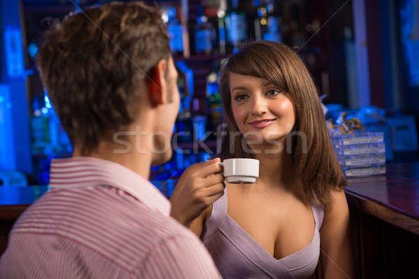 Portret nice kobieta bar mówić człowiek Zdjęcia stock © adam121