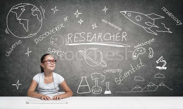 Mały szkoły geniusz dziewczyna wiek czerwony Zdjęcia stock © adam121