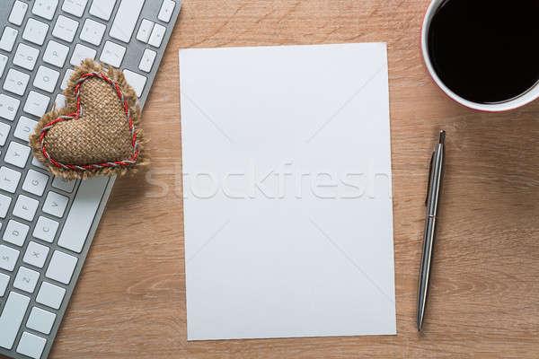 Notepad ahşap masa dizüstü bilgisayar kahve fincanı kâğıt Internet Stok fotoğraf © adam121