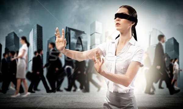 小さな 目隠し 女性 方法 外に 群衆 ストックフォト © adam121