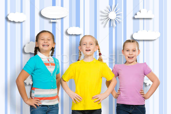 Pequeño grupo ninas stand manos sonrisa Foto stock © adam121