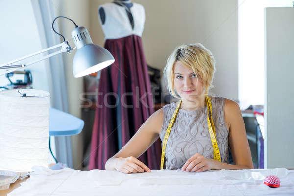 Munkás fiatal szőke nő stúdió szalag nyak Stock fotó © adam121