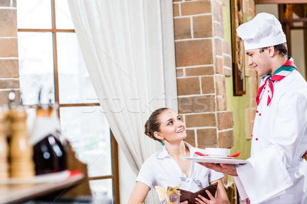 şef yemek güzel kadın restoran keyifli zaman Stok fotoğraf © adam121