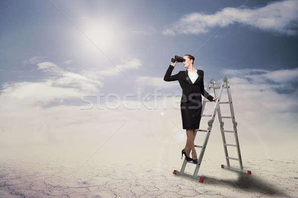 Сток-фото: деловая · женщина · глядя · бинокль · лестнице · бизнеса · девушки