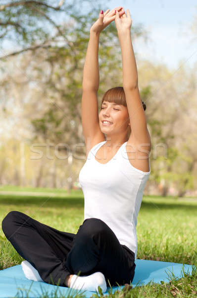 Deporte parque hermosa mujeres fitness Foto stock © adam121