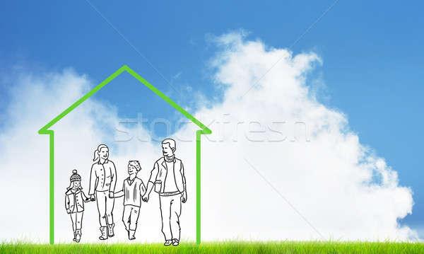 famille heureuse maison chiffre immobilier symbole nuages photo stock aleksandr. Black Bedroom Furniture Sets. Home Design Ideas