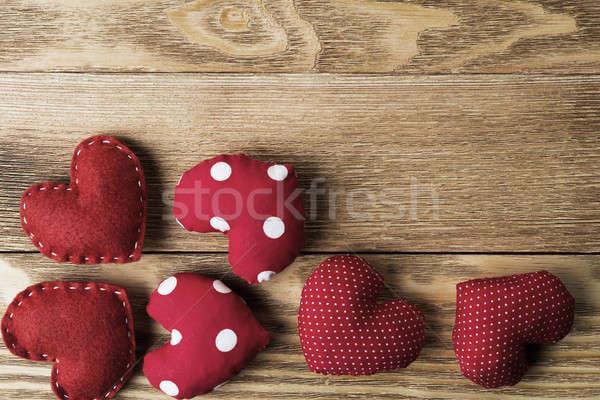 Szeretet üzenet szívek ajándék doboz fa asztal textúra Stock fotó © adam121