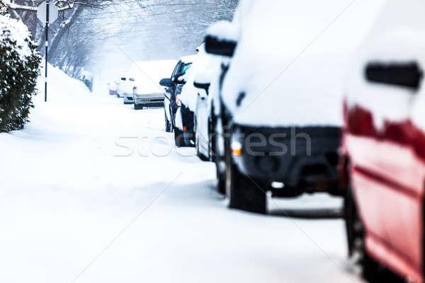 Auto winter dag straat weg sneeuw Stockfoto © aetb