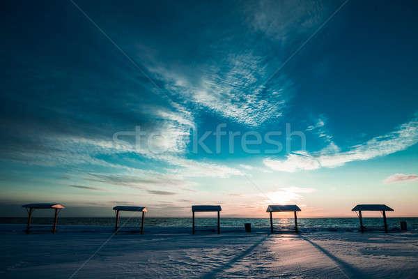 ピクニックテーブル 海 冬 無人 ビーチ 木材 ストックフォト © aetb
