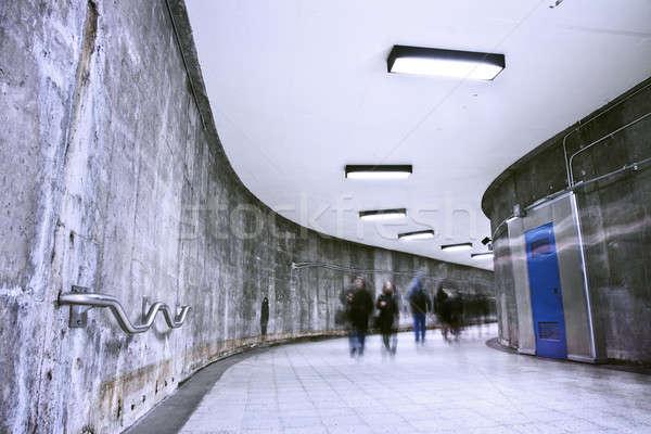 Subterrâneo grunge metro corredor hora do rush bom Foto stock © aetb