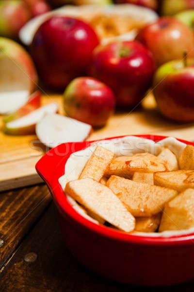 Kek tablo ekmek kırmızı Stok fotoğraf © aetb
