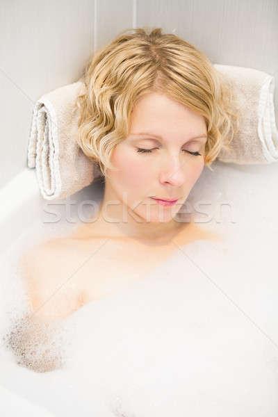 Młoda kobieta snem kąpieli relaks pęcherzyki kobieta Zdjęcia stock © aetb