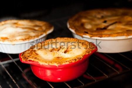 Drie appel taarten koken oven Rood Stockfoto © aetb