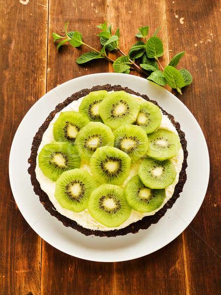 Crostata cioccolato kiwi panna montata poco profondo Foto d'archivio © AGfoto
