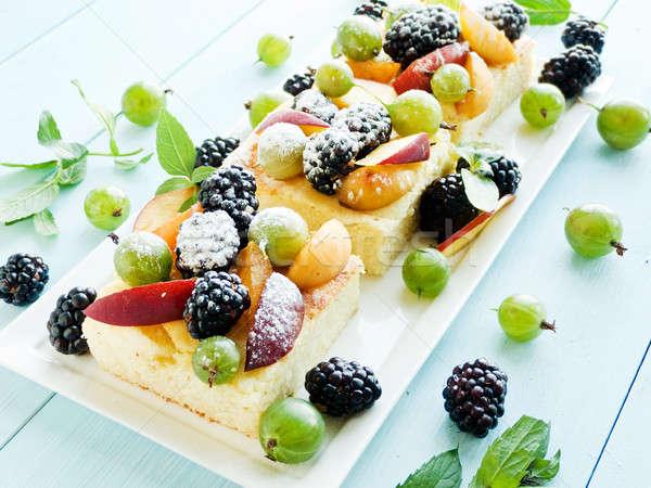 Bogyó piskóta bogyók sekély mélységélesség gyümölcs Stock fotó © AGfoto