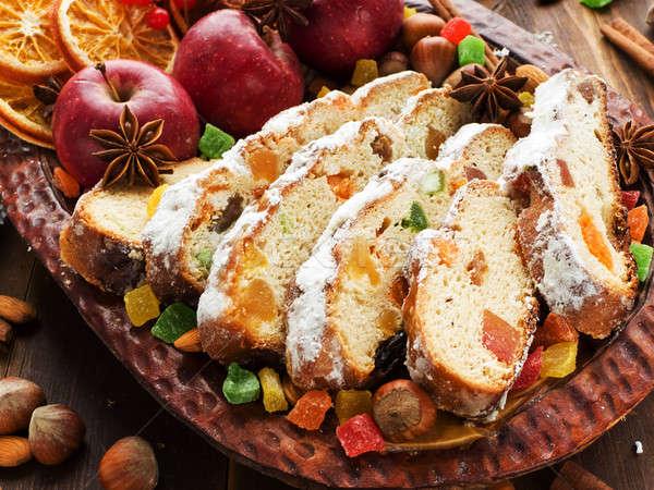 Traditioneel eigengemaakt gedroogd vruchten noten ondiep Stockfoto © AGfoto