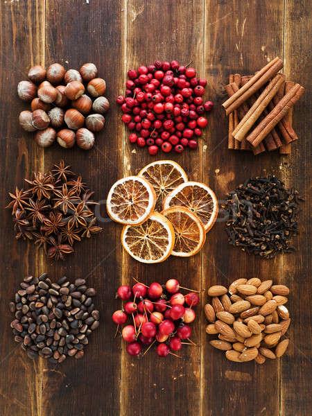 Stock fotó: Karácsony · fűszer · gyümölcsök · diók · bogyók · fából · készült