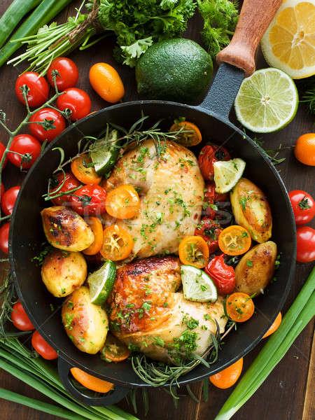 Cena sartén pollo hortalizas hierbas Foto stock © AGfoto