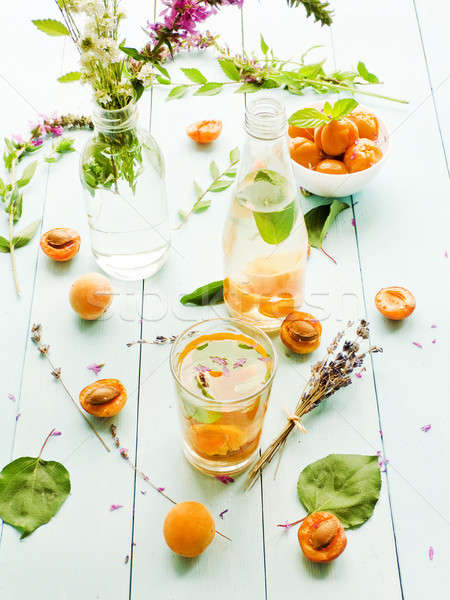 Frescos albaricoque beber dulce menta superficial Foto stock © AGfoto