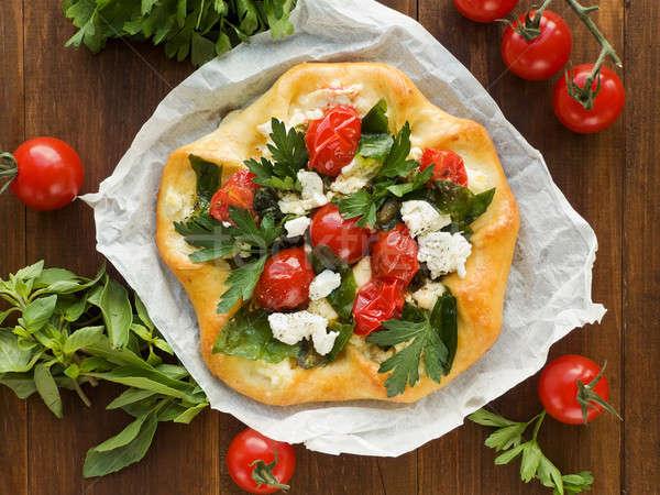 Tarte maison fromage cottage herbes tomates cerises pizza Photo stock © AGfoto