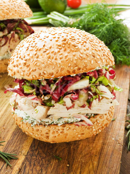 Burger poulet laitue fromage cottage peu profond Photo stock © AGfoto