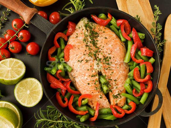 Akşam yemeği tava somon biftek otlar gıda Stok fotoğraf © AGfoto