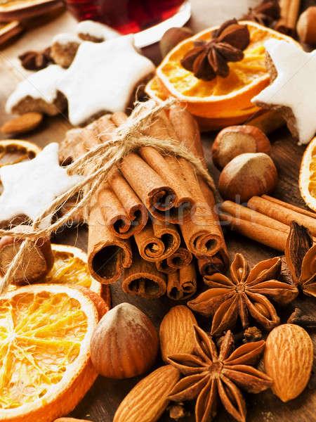 Foto stock: Natal · temperos · bolinhos · nozes · frutas · raso