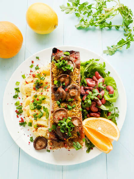 Varkensvlees plaat bonen ondiep Stockfoto © AGfoto