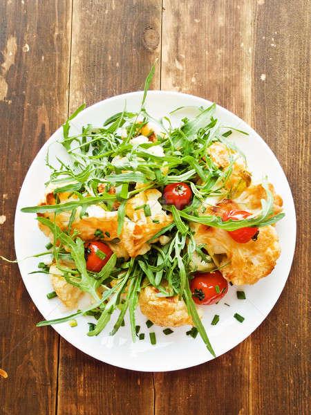 Meleg karfiol saláta koktélparadicsom sekély mélységélesség Stock fotó © AGfoto