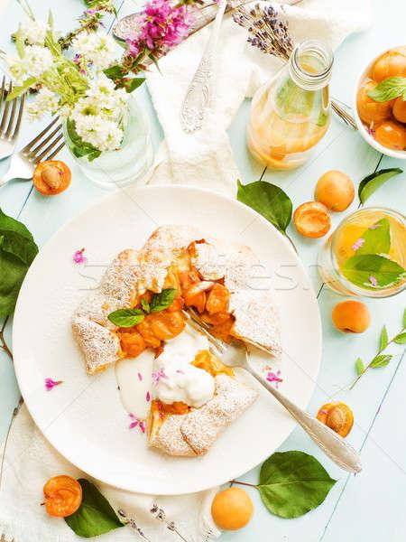Friss sárgabarack pite édes sekély mélységélesség Stock fotó © AGfoto
