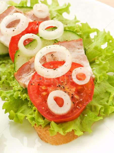 Sandwich légumes frais lard peu profond vert Photo stock © AGfoto