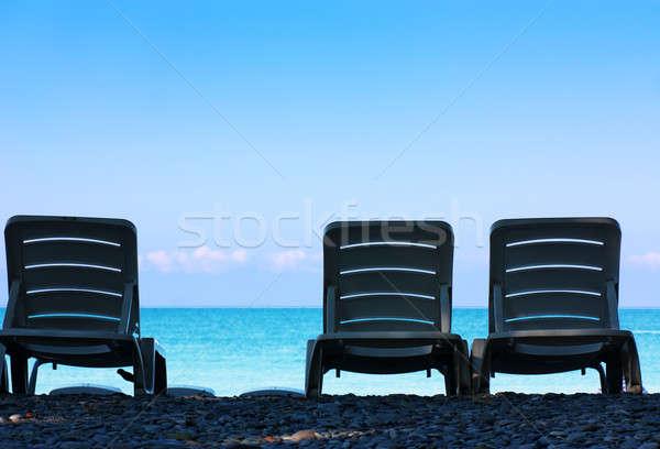 Drie stoelen plaats strand hemel Stockfoto © AGorohov