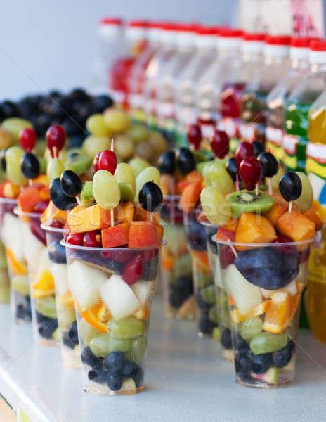 Продажа фруктов в стаканчиках