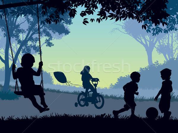 Stok fotoğraf: çocukluk · çocuklar · oynama · park · ağaç · bahar