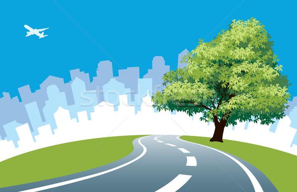 Przydrożny drzewo duży drogowego Cityscape sylwetka Zdjęcia stock © Aiel