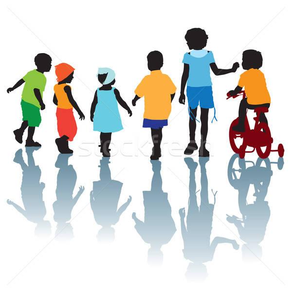 Stok fotoğraf: çocuklar · yürüyüş · konuşma · dizayn · arkadaşlar · yaz