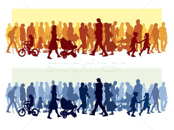 Foto stock: Multitud · personas · caminando · calle · bebé · ninos