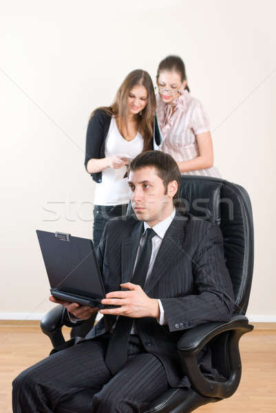 Zakenman laptop zakenman leidend team kantoor Stockfoto © Aikon