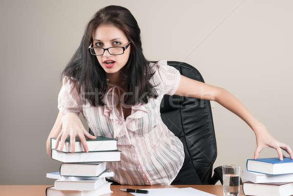 Mooie zakenvrouw kantoor jonge aantrekkelijk business Stockfoto © Aikon
