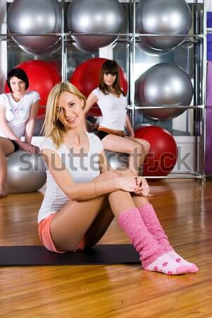 Meisje fitness centrum jonge mooie vrouwen Stockfoto © Aikon