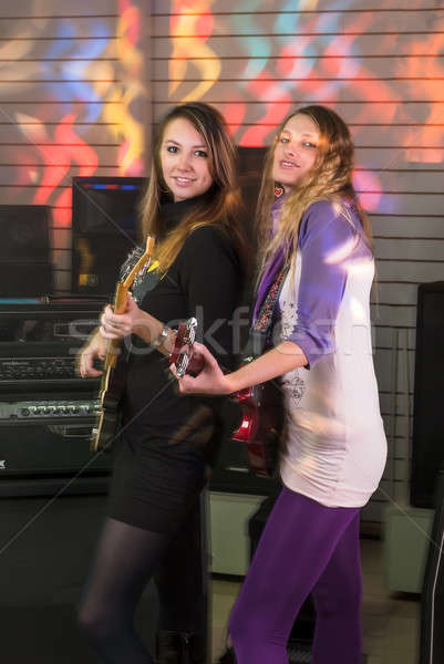 Joli femmes Rock concert jeunes femmes jouer Photo stock © Aikon