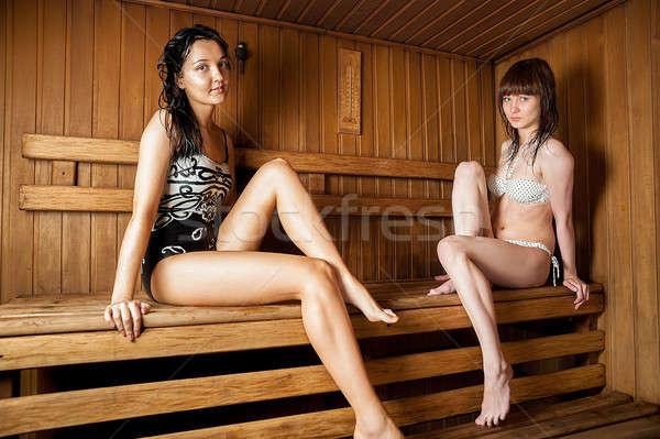 Twee jonge vrouwen ontspannen sauna jonge mooie Stockfoto © Aikon