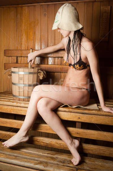 Csinos lány szauna fiatal gyönyörű nő megnyugtató Stock fotó © Aikon