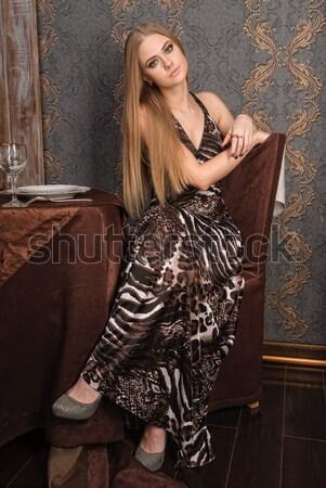 Güzel genç kadın çekici Stok fotoğraf © Aikon