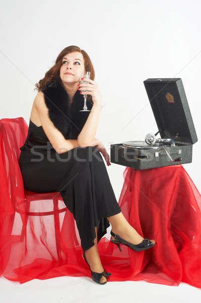 Mooie vrouw luisteren muziek jonge mooie vrouw vergadering Stockfoto © Aikon